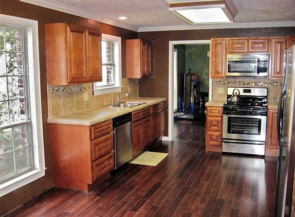 Reno of a small kitchen 12x12 kitchen designs decorating for Kitchen cabinets 12x12